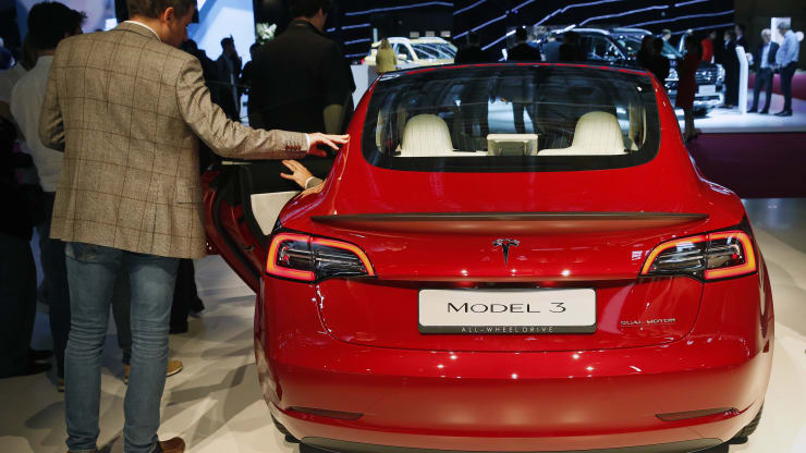 Tesla tops Toyota to become largest automaker by market value